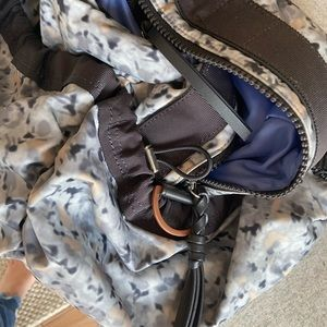 lululemon athletica Bags - Lululemon travel sport bag